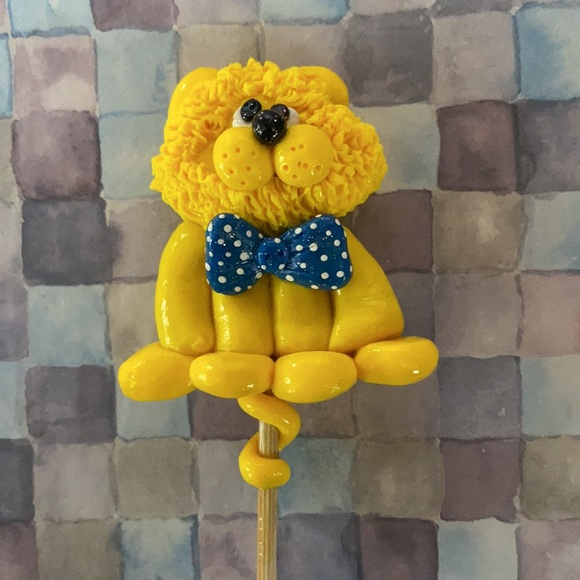Handcrafted; Clay; Yellow; Lion; Plant Stick